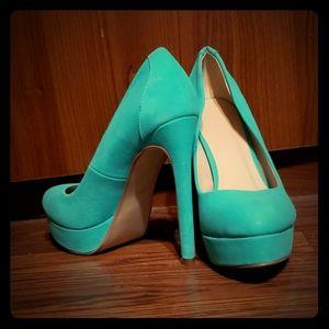 High heel stiletto pumps